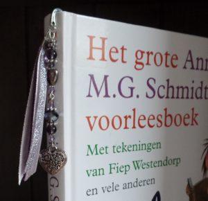 boekenlegger in boek